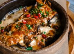 Баклажаны с языком запечённые под сыром сулугуни