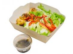 Салат с лососем в азиатском стиле